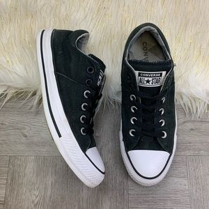Black Low Top Converse Womens Size 8